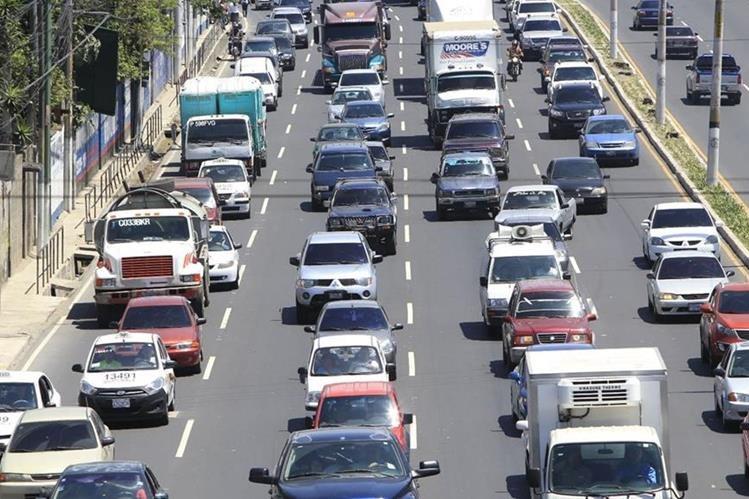 Un alto porcentaje de los vehículos que circulan en la ciudad utilizan caja de transmisión automática, según autoridades. (Foto Hemeroteca PL)