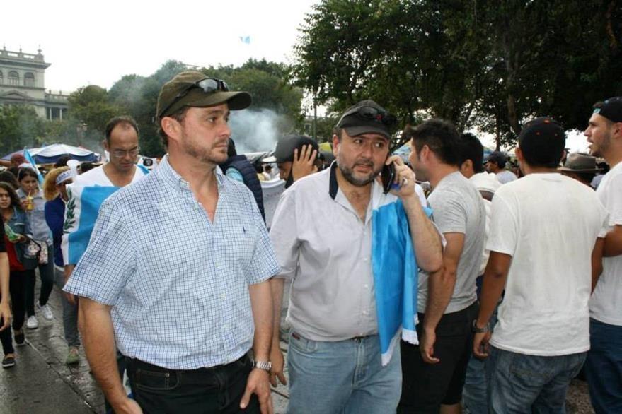 Directivos del Cacif también acudieron a las marchas para pedir la renuncia de Otto Pérez Molina.