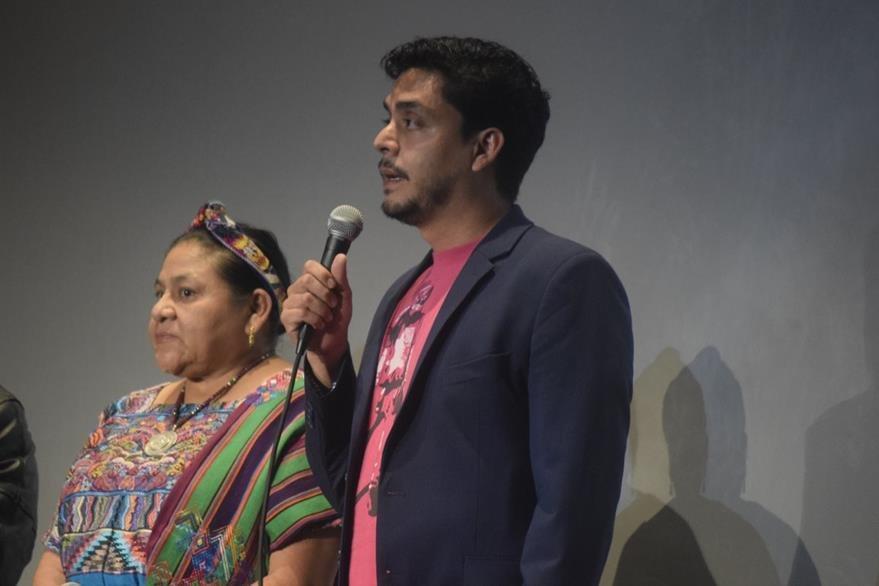 En la presentación del AFI, Bustamante se hizo acompañar por la Premio Nobel de la Paz Rigoberta Menchú. (Foto Prensa Libre: Maynor Ventura)