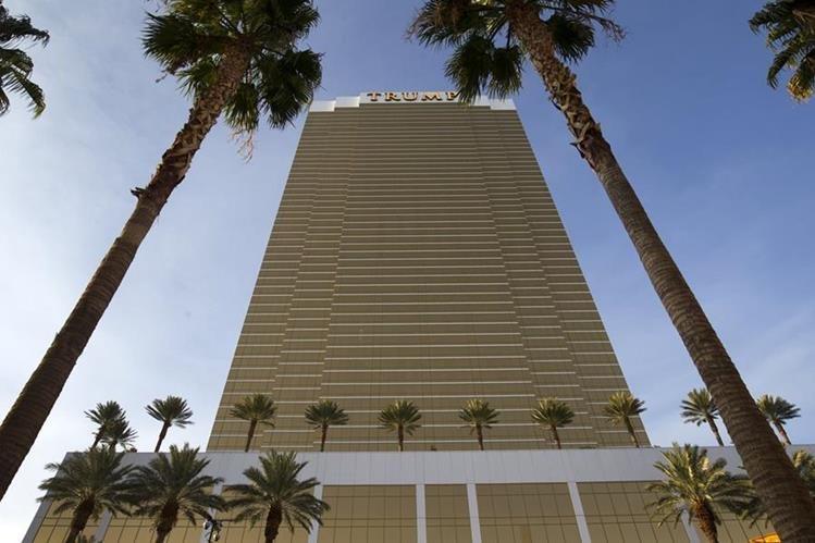 Los números de tarjetas de crédito y débito de clientes posiblemente fueron hurtados de siete hoteles de la cadena Trump.(Foto Prensa Libre: AP).