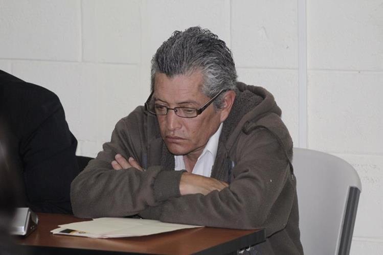 Fausto Aroldo Vásquez García escucha sentencia en tribunales de Quetzaltenango. (Foto Prensa Libre: María José Longo)