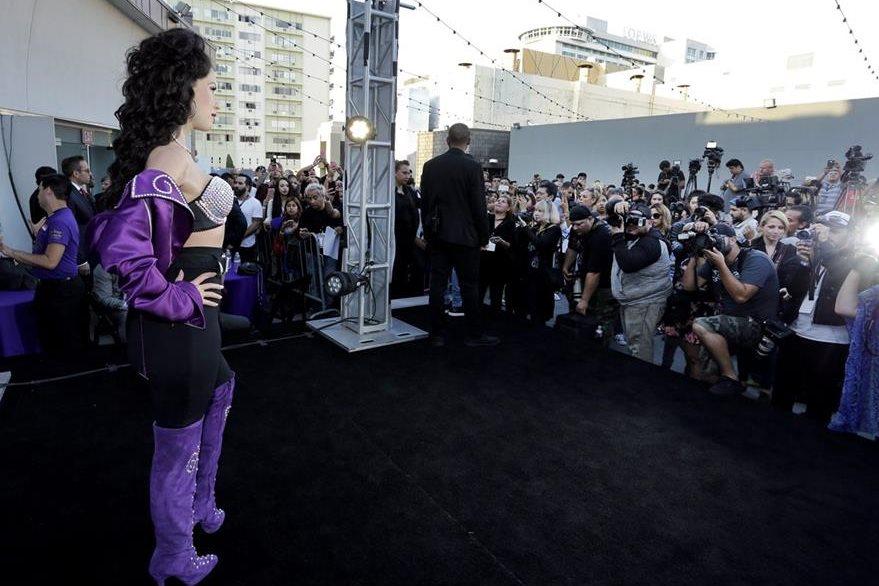 La estatua de Selena fue desvelada ante seguidores y medios de comunicación. (Foto Prensa Libre:EFE)