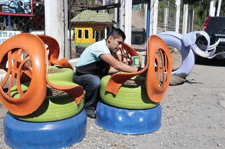 La creatividad de Macz queda plasmada en cada diseño. (Foto Prensa Libre: Eduardo Sam).