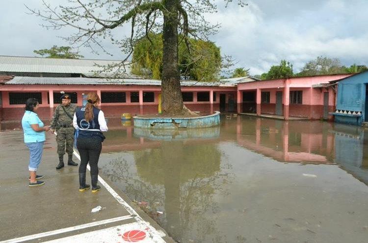 Las autoridades locales y la CONRED evalúan los daños.