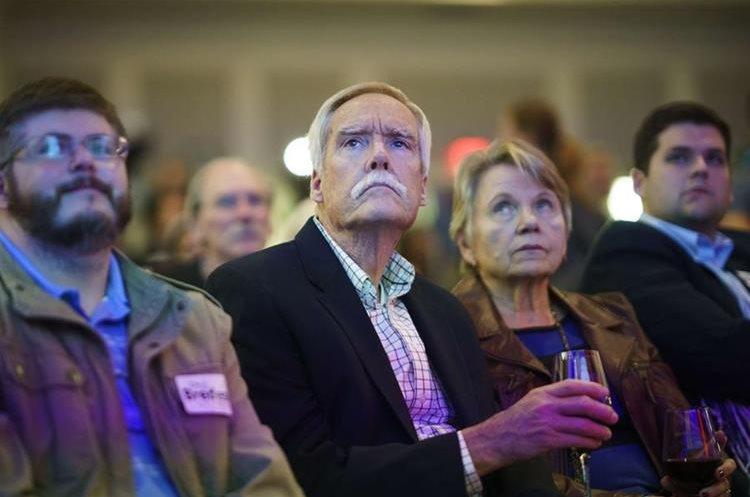 Demócratas esperan resultados en Nashville, Tennessee.