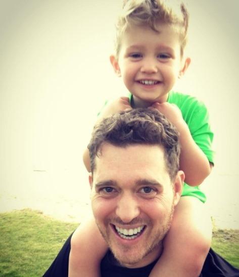 Michael Buble se alejó de su carrera por un tiempo para cuidar a su hijo mayor Noah. (Foto Prensa Libre: Instagram)
