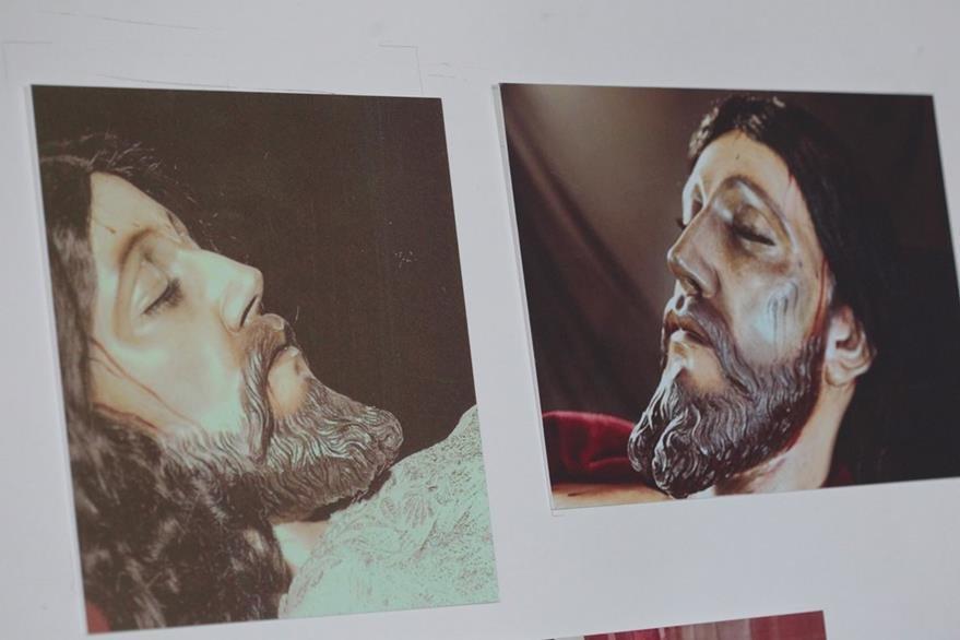 imagenes de las distintas coloraciones que ha tenido el Cristo Sepultado a través del tiempo. (Foto Prensa Libre. Ángel Elías)