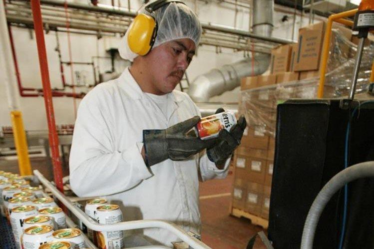La industria de jugos guatemalteca lucha por su ingreso al mercado panameño. (Foto Prensa Libre: Hemeroteca PL)