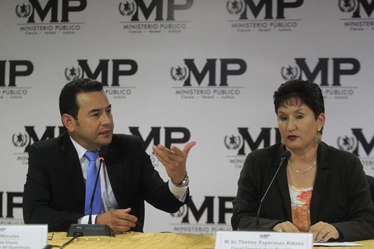 La fiscal General, Thelma Aldana, hizo el reclamo público al presidente Jimmy Morales por no invitarla a la conferencia en Miami.