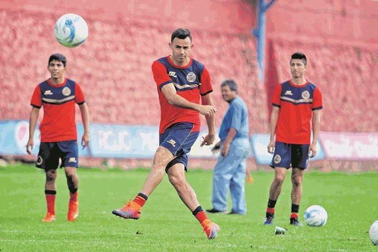 Marco Pappa volverá a entrenarse con Municipal. (Foto Prensa Libre: Hemeroteca PL)