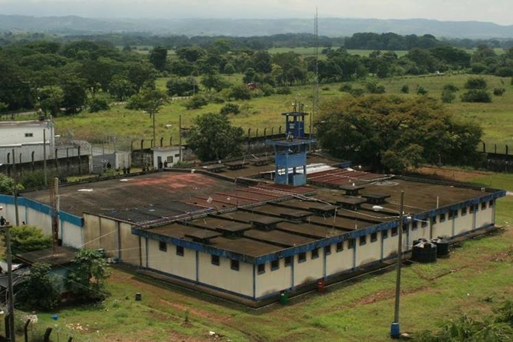 Centro de Alta Seguridad de Escuintla, El Infiernito. En ese reclusorio están recluidos, en gran mayoría, miembros del Barrio 18, quienes dirigen acciones criminales. (Foto Prensa Libre: Hemeroteca PL)