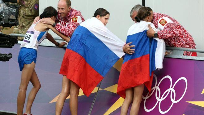 Los atletas rusos han denunciado que muchos de ellos están siendo castigados injustamente. (AP)