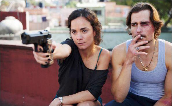 Braga y Ecker en una escena de la serie.