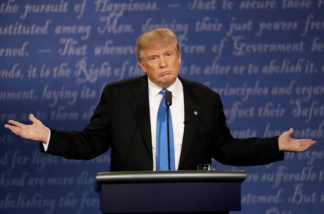 El republicano Donald Trump le ha declarado la guerra a su propio partido, luego de quedarse solo por sus polémicas declaraciones. (Foto Prensa Libre: AFP).