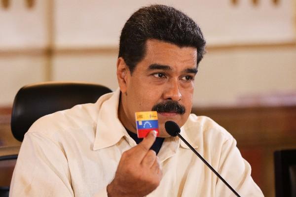 Nicolás Maduro amenaza con utilizar la fuerza contra la oposición venezolana.(Foto Prensa Libre:EFE).