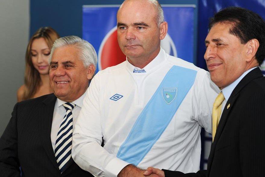 Iván Sopegno fue presentado el 22 de mayo del 2014 como nuevo entrenador de la Selección Nacional y renunció en diciembre del año pasado.(Foto Prensa Libre: Hemeroteca)