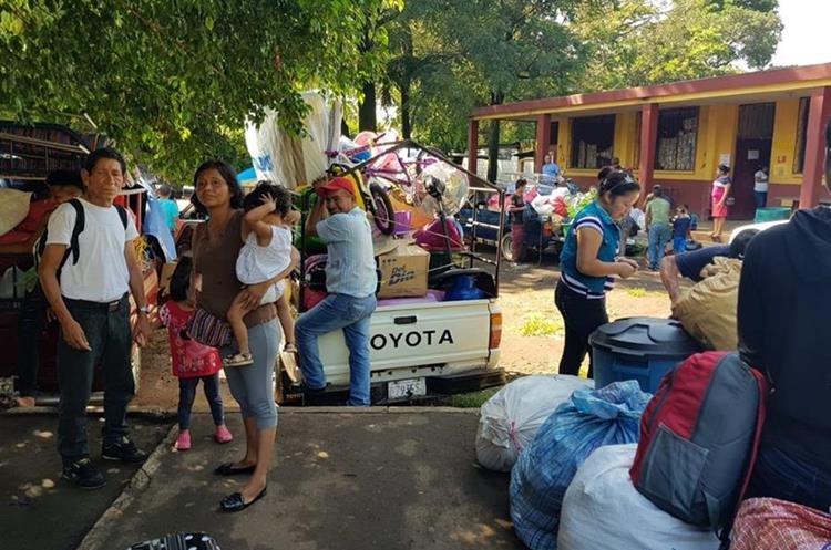 En la primera fase del traslado se ubicará en los albergues unificamiliares a más de 150 familias. (Foto Prensa Libre: Conred)