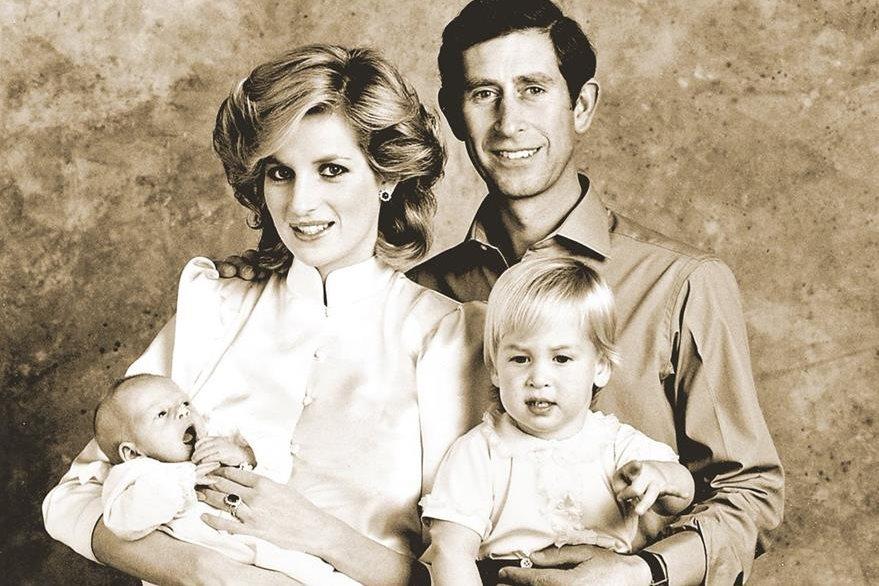 Foto familiar de los Príncipes de Gales. (Foto: Hemeroteca PL)