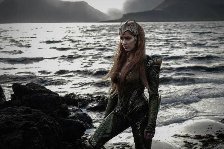 La actriz Amber Heard encarna a Mera, la pareja de Aquaman. (Foto Prensa Libre: IGN)