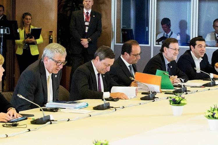 Las principales autoridades de la Eurozona participan en una reunión en Bruselas. La misma concluyó sin resultados porque Greciano presentó una alternativa para su rescate financiero. (Foto PrensaLibre: AP).