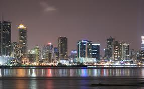 Panamá quiere que sus funcionarios jubilados se retiren .