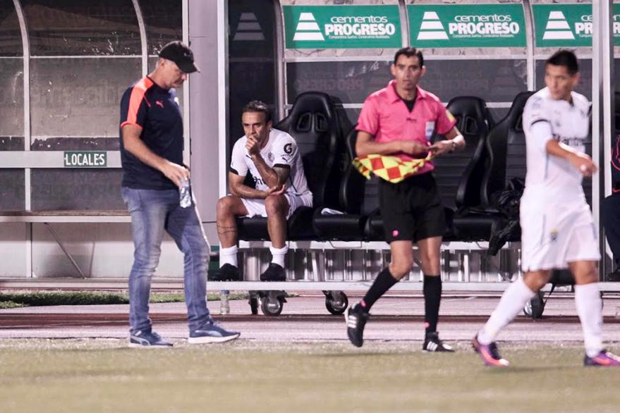 José Manuel Contreras no era ya de la confianza del técnico Iván Franco Sopegno. (Foto Prensa Libre: Norvin Mendoza)
