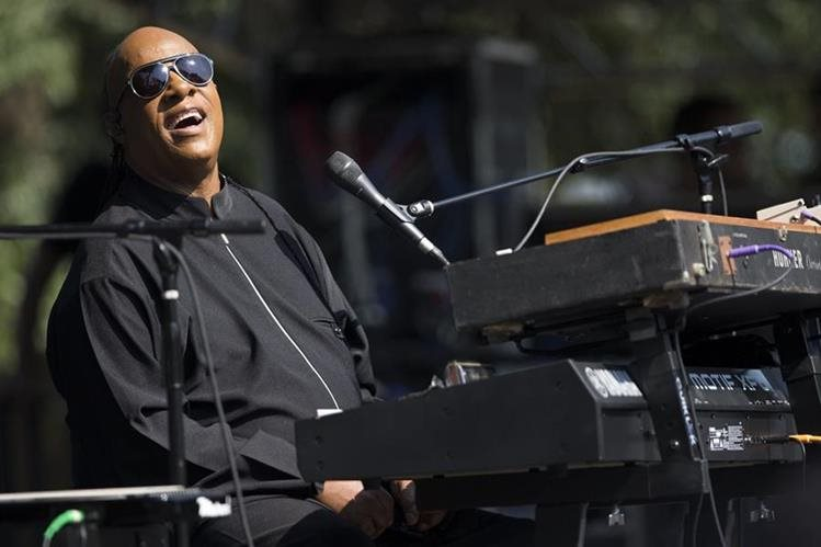 Stevie Wonder durante un concierto en Washington. (Foto Prensa Libre: AP)