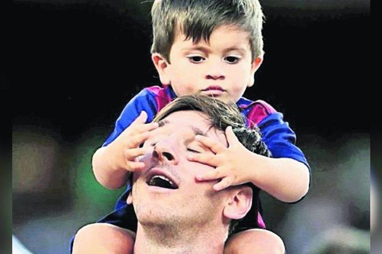 Leo Messi comparte con su hijo Thiago. (Foto Prensa Libre: Hemeroteca PL)