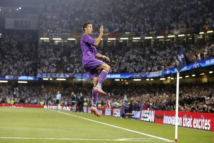 Cristiano Ronaldo festejó en grande luego de abrir el marcador en Cardiff. (Foto Prensa Libre: AP)