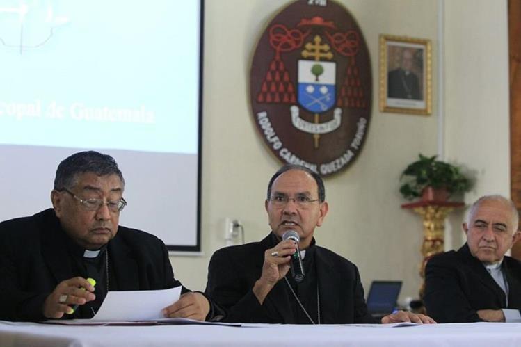 Obispos de la Conferencia Episcopal analizan debilidades en las instituciones del Estado. (Foto Prensa Libre: Esbin García)