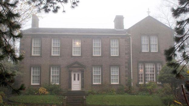 La familia Brontë vivía en una casa parroquial en Haworth, en el centro de Inglaterra. ALAMY