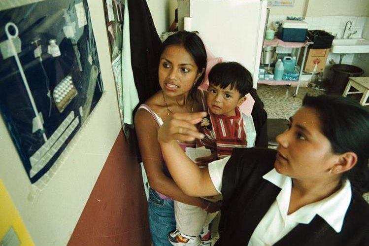 Las madres jóvenes de Guatemala tienen poca oportunidad de recibir información sobre métodos de planificación familiar. (Foto Prensa Libre: Hemeroteca PL)