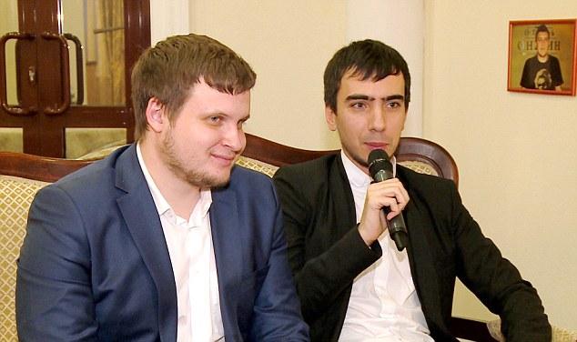 Los bromistas Krasnov y Stolyarov. (Foto Prensa Libre: Daily Mail)