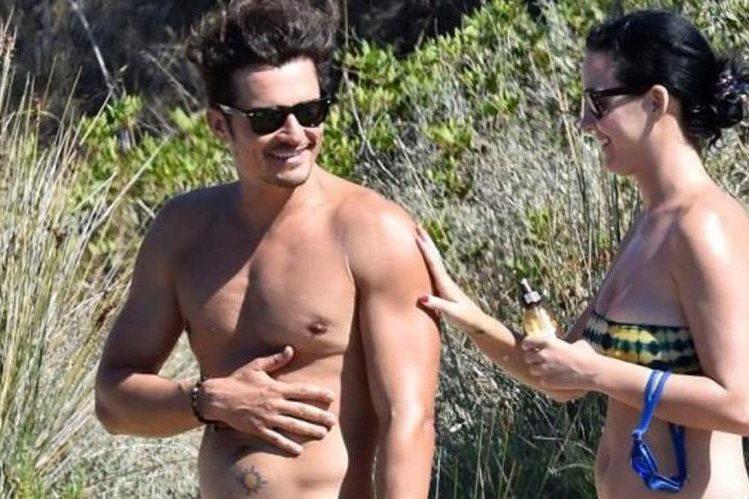 Orlando Bloom y Katy Perry visitaron una playa nudista en Italia. (Foto Prensa Libre: New York Daily News)