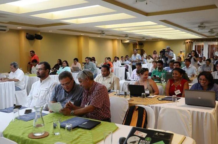 Representantes de distintos países y de instituciones ambientales se reunieron en Petén. (Fotos Prensa Libre: Óscar García)