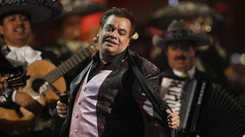 Juan Gabriel recibió un homenaje póstumo en los Latin Grammy de 2016. (Foto Prensa Libre: Hemeroteca PL)