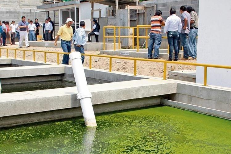 La construcción de una planta de tratamiento de aguas residuales costaría entre Q1 millón y Q20 millones. (Foto Prensa Libre: Hemeroteca PL)