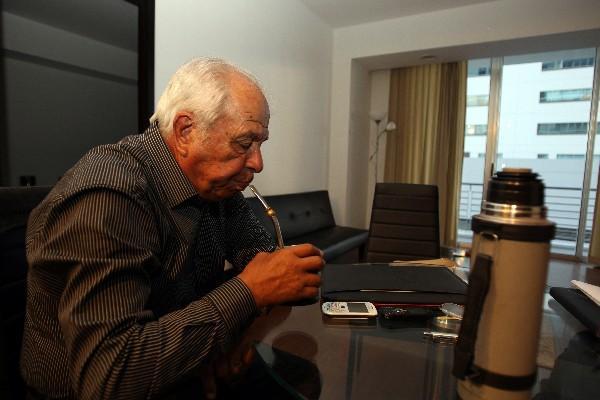 """<p>Aníbal Ruiz dirige Municipal y espera conseguir el título nacional guatemalteco. (Foto Prensa Libre: Eddy Recinos)<br _mce_bogus=""""1""""></p>"""