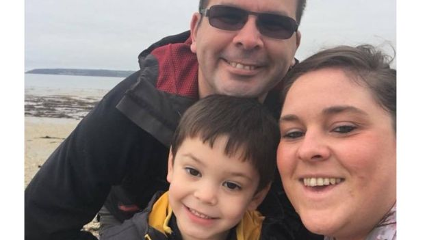 Ethan tenía 11 meses cuando empezó a tener dificultades respiratorias. Casi murió cuando tenía 1 año. ASTHMA UK