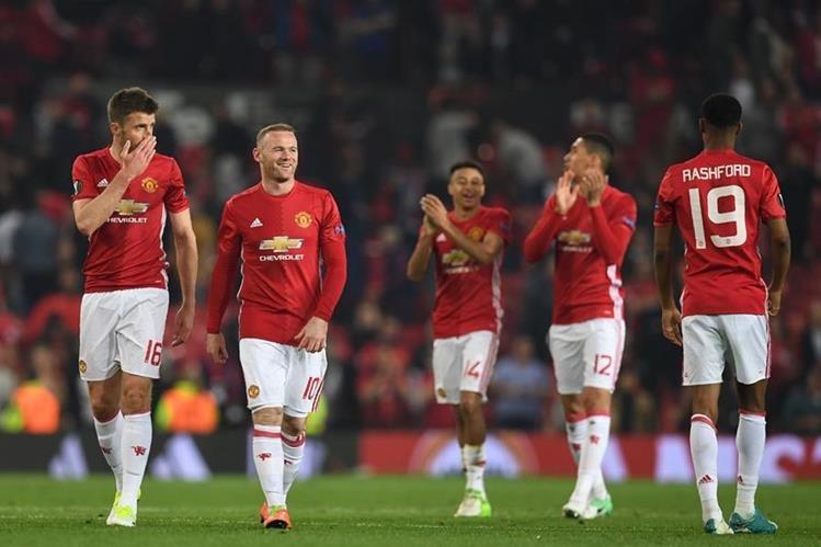 Los jugadores del Mánchester United celebran su pase a la final de la Europa League. (Foto Prensa Libre: AFP)