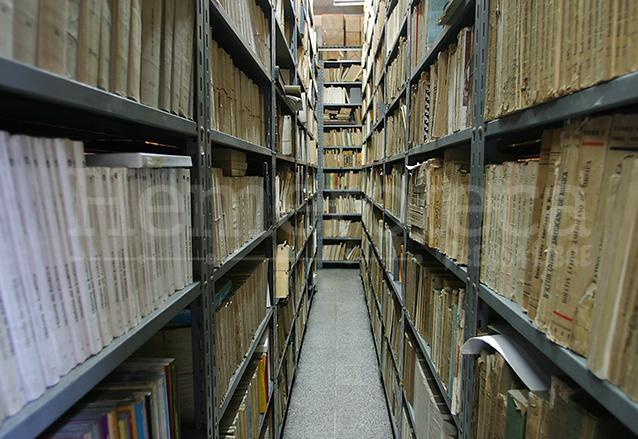 Documentos que relatan la historia de los países centroamericanos también pueden ser localizados en el edificio de la Academia. (Foto: Hemeroteca PL)