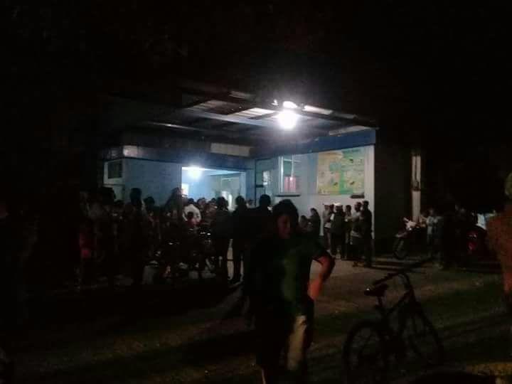 Varios de los heridos fueron trasladados al Hospital Nacional de Salamá.(Prensa Libre: cortesía)