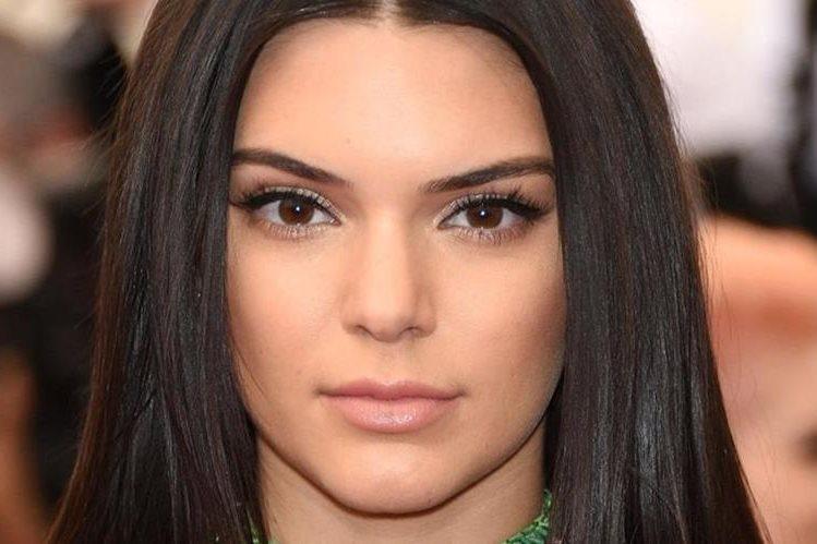 Kendall Jenner, de 20 años, es conocida por ser parte de la familia Kardashian, pero se ha abierto camino también en el modelaje. (Foto: Hemeroteca PL).
