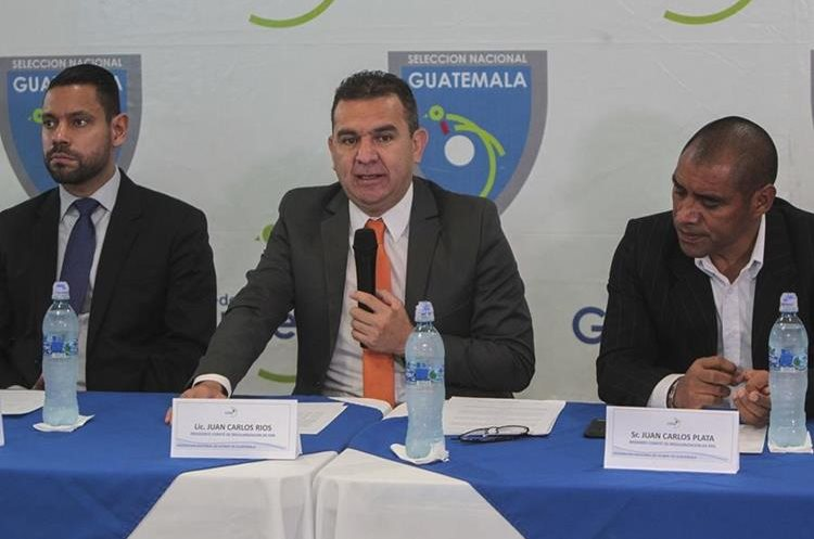 El Comité de la Fedefut presentó los detalles del Torneo de Copa. (Foto Prensa Libre: Norvin Mendoza)
