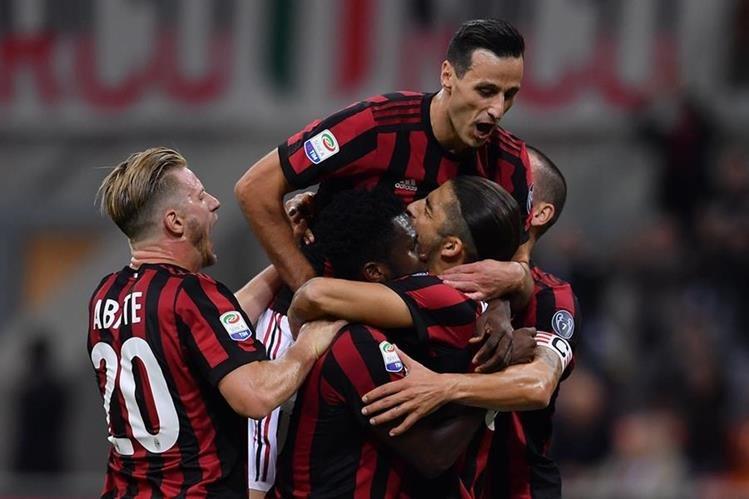 El AC Milán tiene como objetivo ganar la Europa League ya que el campeón competirá en la próxima Liga de Campeones de Europa. (Foto Prensa Libre: AFP)