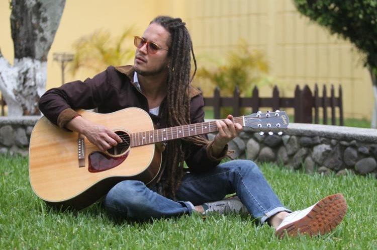 El cantautor dominicano Vicente García dará un concierto en Guatemala. (Foto Prensa Libre: Keneth Cruz)