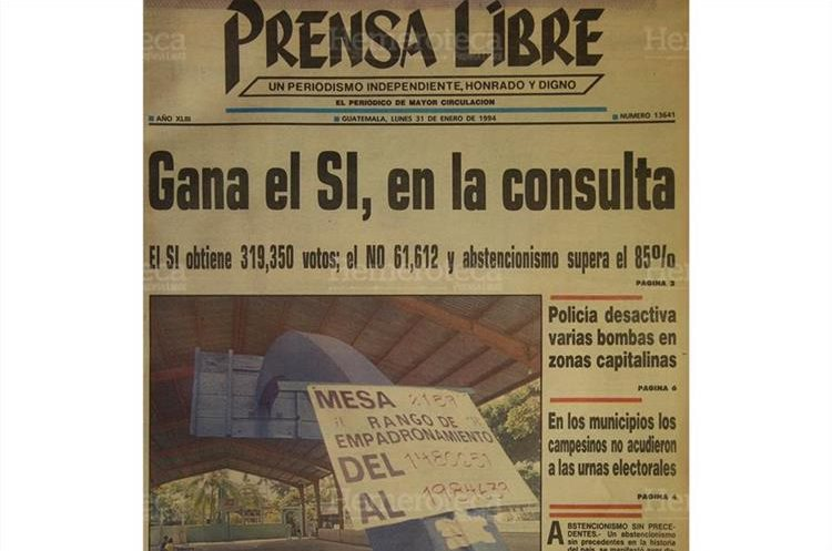 Portada de Prensa Libre del 31/1/1994 informando que el SI ganó en la consulta popular. (Foto: Hemeroteca PL)