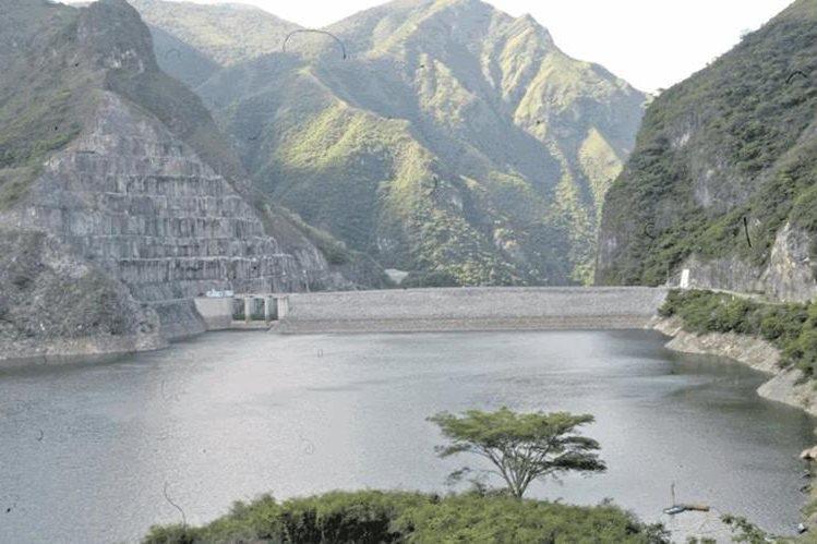 Hidroeléctricas del país tampoco producen lo proyectado.