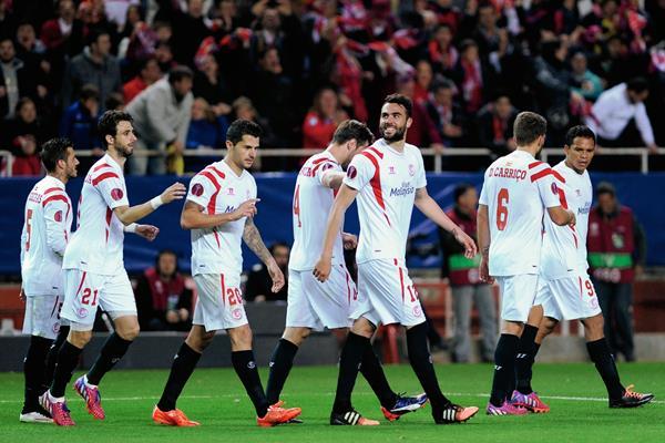 El Sevilla lleva una mínima ventaja que deberá aprovechar si no quiere complicarse en Alemania. (Foto Prensa Libre: AFP)