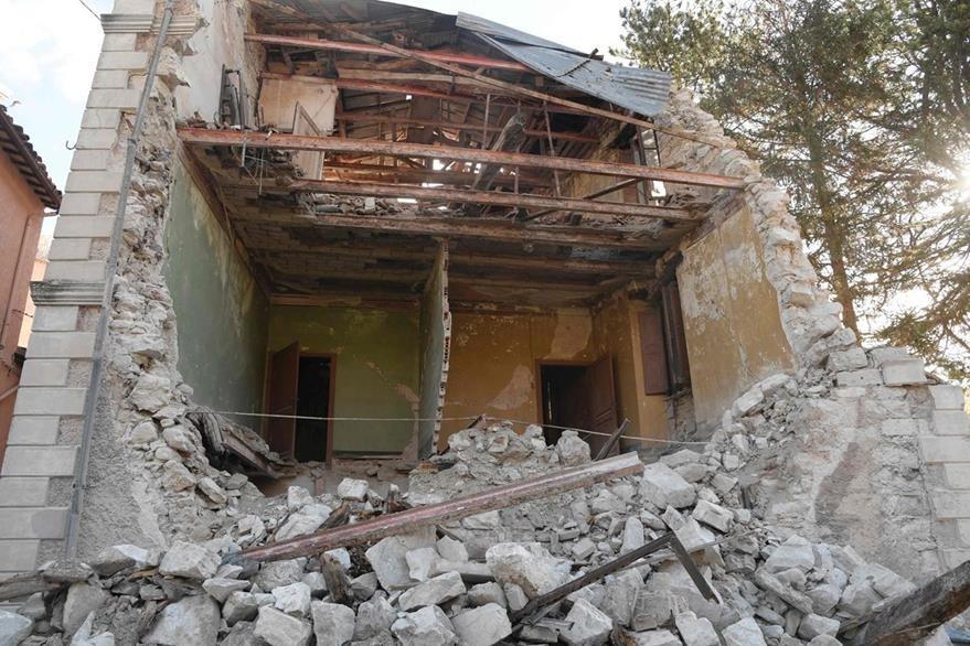 La región de San Antonio, en el centro de Italia, también resultó con serios daños. (Foto Prensa Libre: AFP).